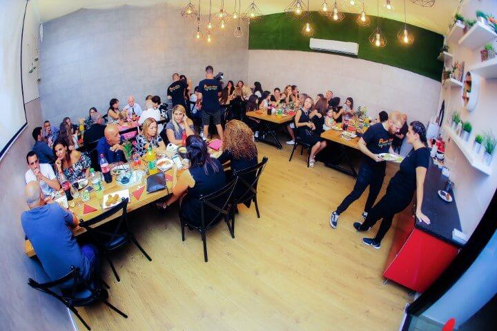 אורחים בבת מצווה בפיץ' קלאב