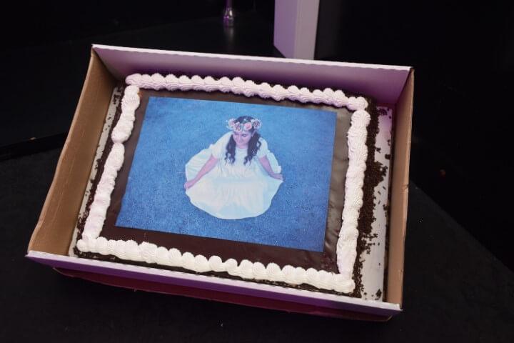 עוגה מעוצבת לנערת בת מצווה